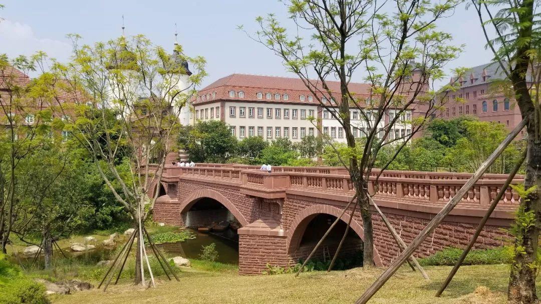 LDG动态 |叶松青董事长参观考察华为松山湖研发基地